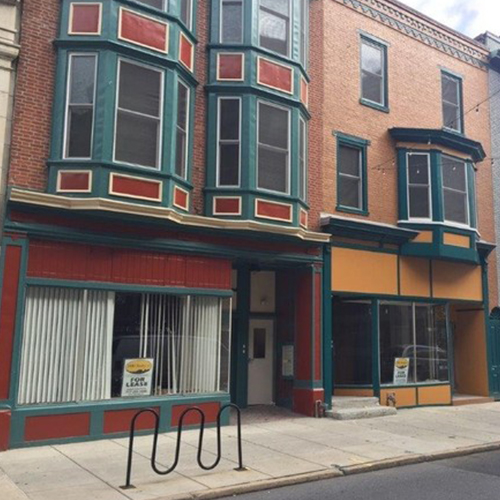 Two online retailers will join together to open vintage clothing store in Harrisburg